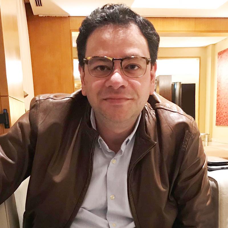 Dr. Marcio Kozonara - Médico Cirurgião de Ombro e Cotovelo